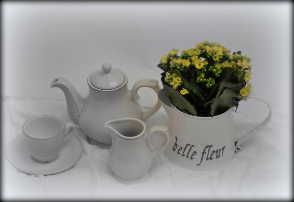 teatime Print by susan davies