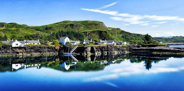 Reflective Easdale Canvas print by Fraser Hetherington