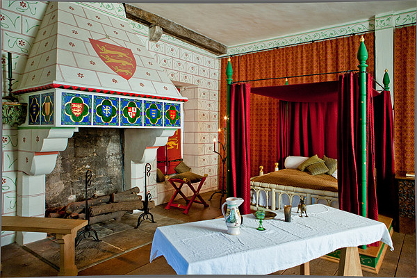 Bedchamber, Tower of London Canvas Print by David Tyrer