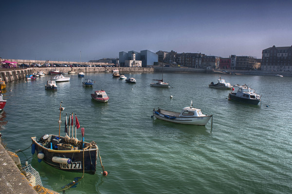 Margate Harbour From The Harbour Arm Canvas print by Dave Godden