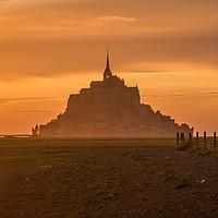 Buy canvas prints of Le Mont Saint Michel by Tom Hard