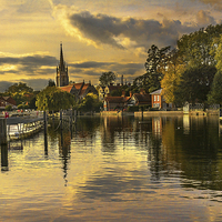 Buy canvas prints of Marlow Late Afternoon by Ian Lewis