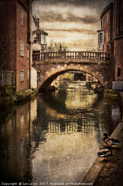 The Water Bridge In Newbury Canvas print by Ian Lewis