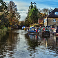 Buy canvas prints of Hungerford Town Wharf And Lock by Ian Lewis