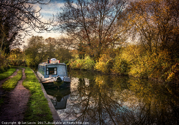 An Autumn Afternoon At Hungerford Canvas print by Ian Lewis
