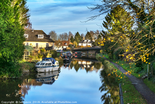 Towpath Into Hungerford Print by Ian Lewis