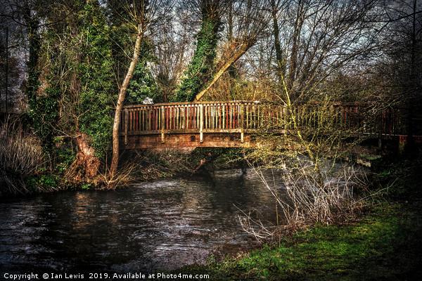 Footbridge Over The River Kennet Canvas print by Ian Lewis