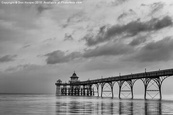 Clevedon Pier Canvas print by Don Hooper