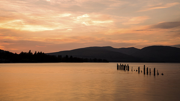 Loch Lomond Sunset Canvas print by Dave Wragg