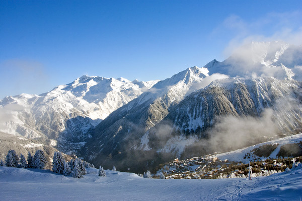 Courchevel 1850 3 Valleys French Alps France Canvas print by Andrew Evans