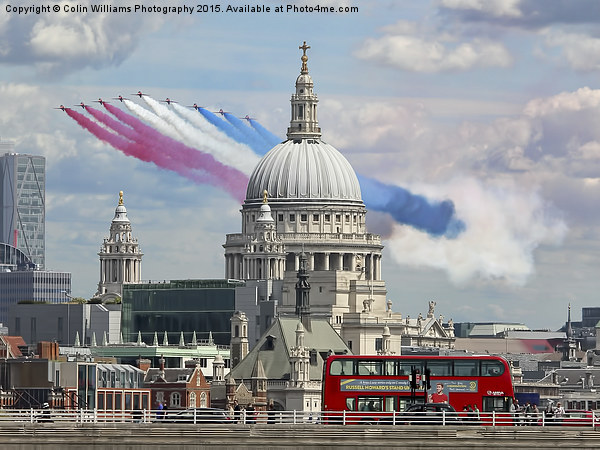 The Red Arrows And Saint Pauls Cathederal Canvas print by Colin Williams Photography