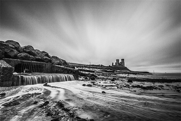 Reculver - long exposure. Canvas print by Ian Hufton