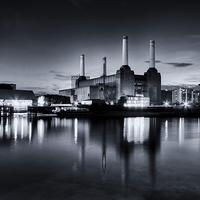 Buy canvas prints of Battersea Blues by Ian Hufton