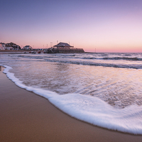 Buy canvas prints of  Broadstairs Sunrise by Ian Hufton