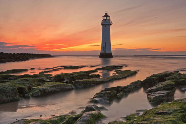PERCH ROCK LIGHTHOUSE Canvas print by raymond mcbride