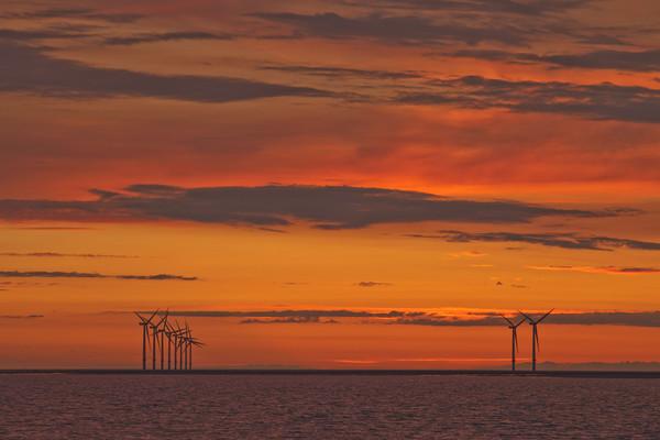 AFTERBURN (Wind turbines) Canvas print by raymond mcbride