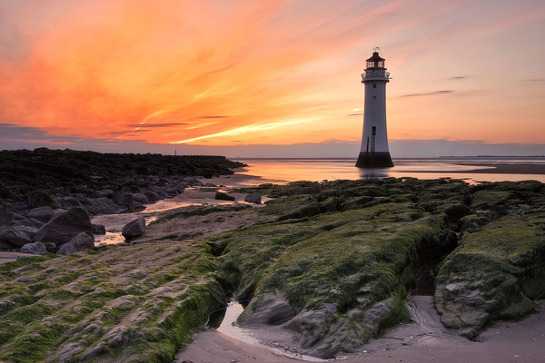 Sunset at Perch Rock Lighthouse Canvas print by raymond mcbride