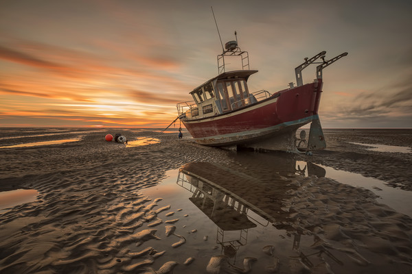 Meols Sunset Canvas print by raymond mcbride