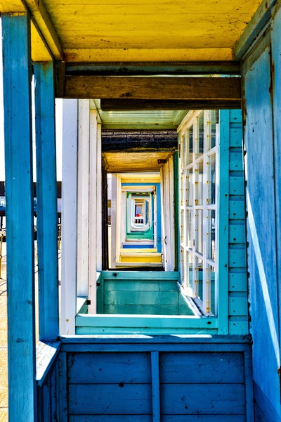 Colourful beach huts at Southwold Canvas print by Gary Pearson