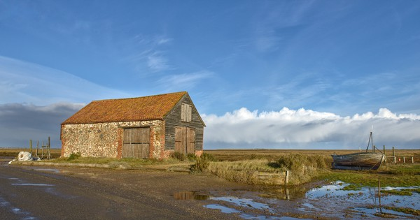 The old coal barn - Thornham  Canvas print by Gary Pearson