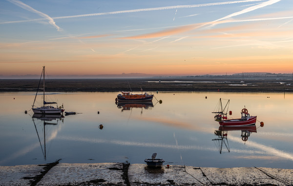 A beautiful sunrise over Wells-next-the-Sea Canvas print by Gary Pearson