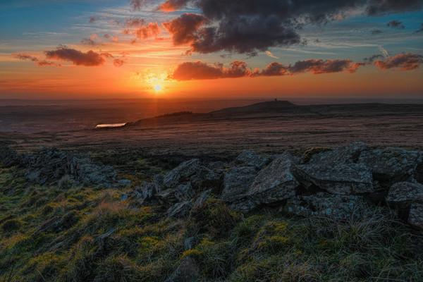 Rivington pike sunset Canvas print by Robert Fielding