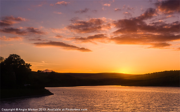 Sunset on Damflask Reservoir Canvas print by Angie Morton