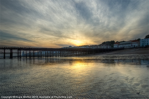 Hastings Sunset Canvas print by Angie Morton