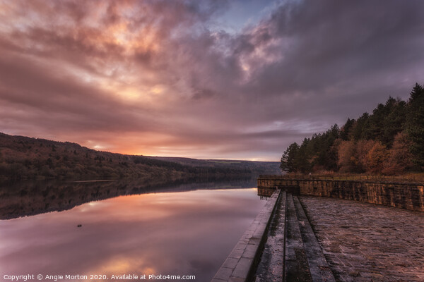 Broomhead Reservoir Sunset Canvas Print by Angie Morton