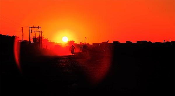 Long Dusty road to Dwarka Canvas print by Arfabita