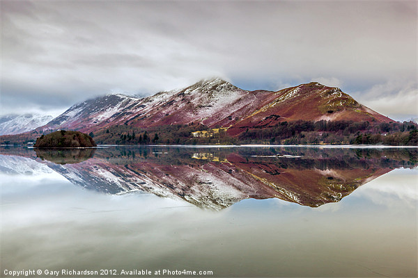 Catbells Reflections Canvas print by Gary Richardson