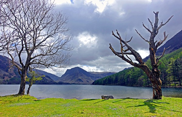 BUTTERMERE                  Canvas print by Anthony Kellaway