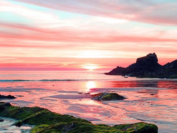 TREVONE BEACH  SUNSET                      Canvas Print by