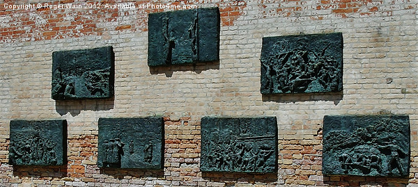 Holocaust Memorial Ghetto Vecchio Venice Framed Print by Roger Wain
