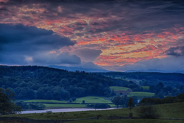 Esthwaite Water sunset Canvas Print by Graham Moore