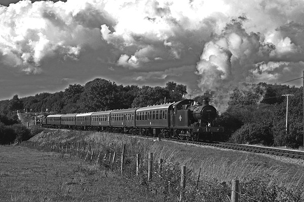 GWR 56XX Class No.6695 Canvas Print by William Kempster
