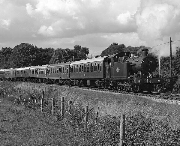 GWR 56XX Class No.6695 B&W Canvas Print by William Kempster