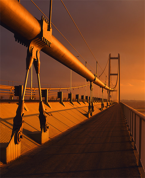 Humber Bridge Sunset Canvas print by Darren  Galpin