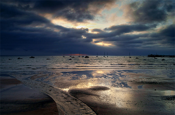 Sunrise over Swanage Bay, Dorset Canvas print by Darren  Galpin