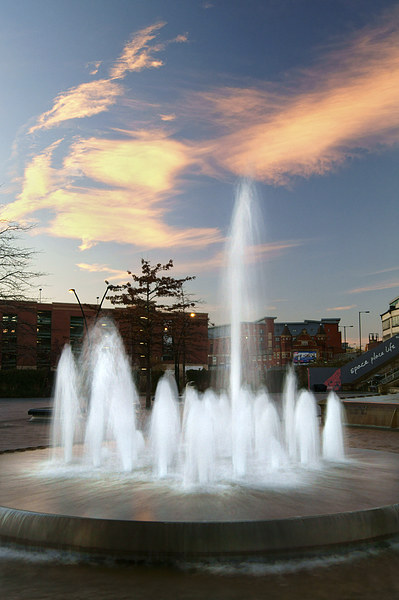 Water Feature in Sheffield Rail Station Canvas print by Darren  Galpin