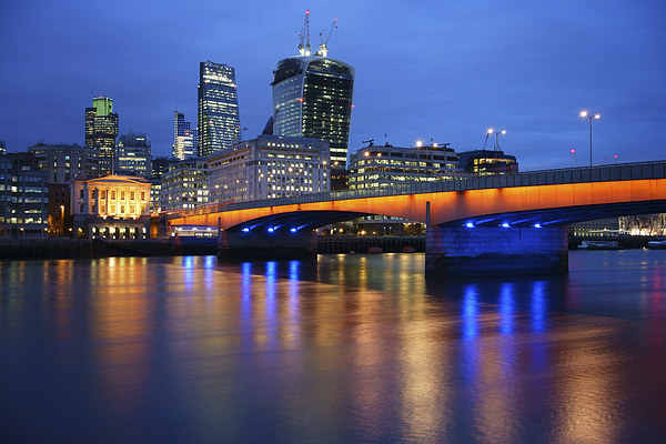 London Bridge Reflections Canvas print by Darren  Galpin