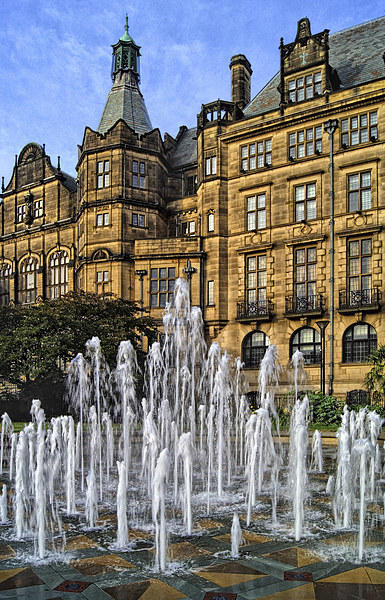 Sheffield Town Hall and Goodwin Fountain  Canvas print by Darren Galpin
