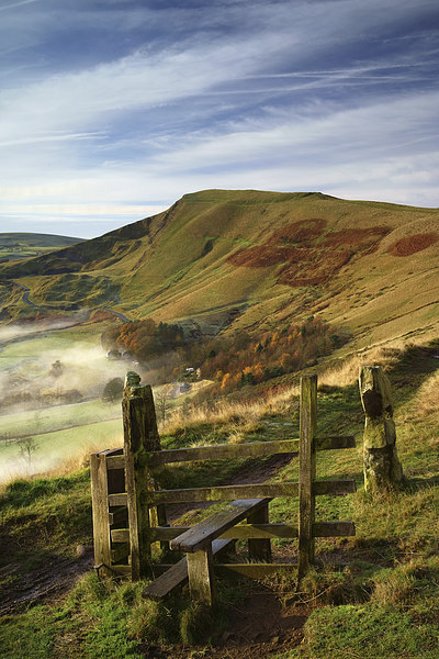 Footpath To Mam Tor  Framed Mounted Print by Darren Galpin