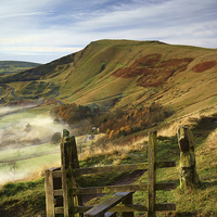 Buy canvas prints of Footpath To Mam Tor  by Darren Galpin