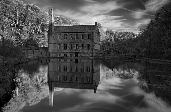 Gibson Mill Reflections  Canvas print by Darren Galpin