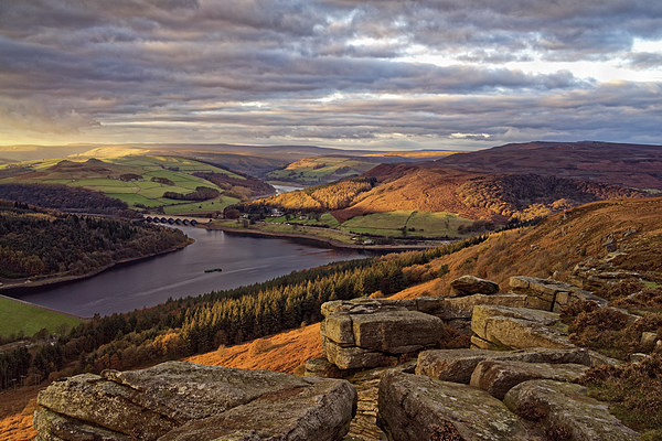 Golden Views of Ladybower  Canvas print by Darren Galpin
