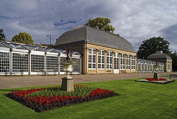 Sheffield,Botanical Gardens & The Glass Houses  Canvas Print by Darren Galpin