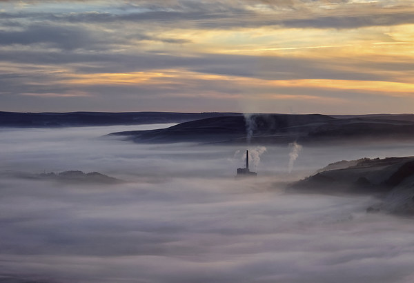 Inversion Sunrise in the Hope Valley  Canvas Print by Darren Galpin