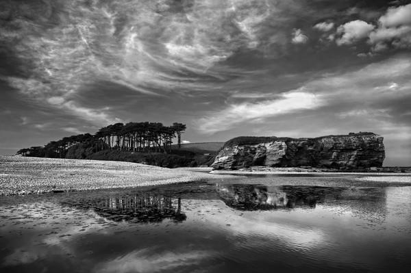 Coastline at Budleigh Salterton                    Canvas print by Darren Galpin