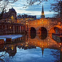 Buy canvas prints of Pulteney Bridge and River Avon in Bath             by Darren Galpin